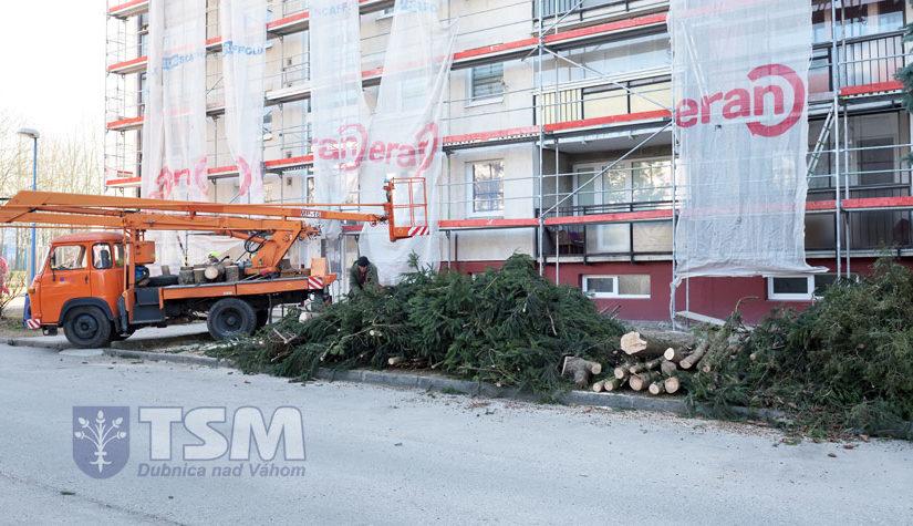 """Rekonštrukcia a rozšírenie parkoviska """"Dubničanka"""""""