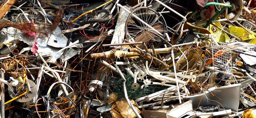 Trieďme odpad správne – kovy a kompozity: