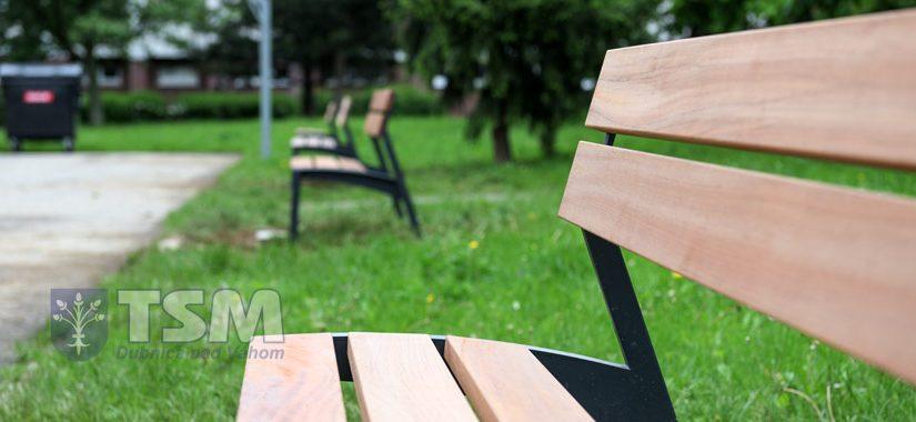 Nové lavičky na Kollárke